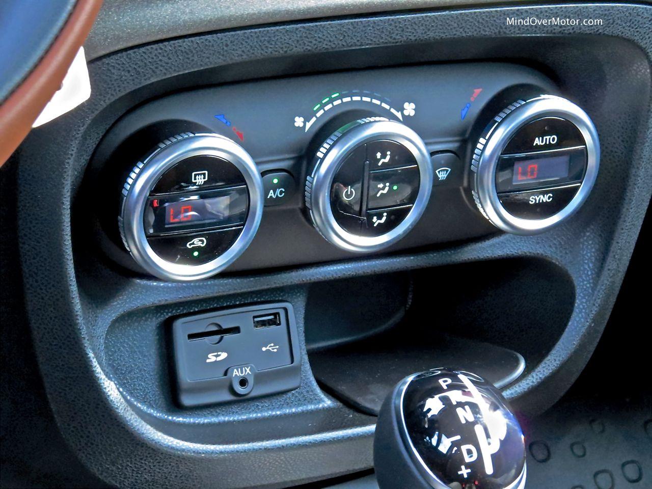 Fiat 500L HVAC Controls