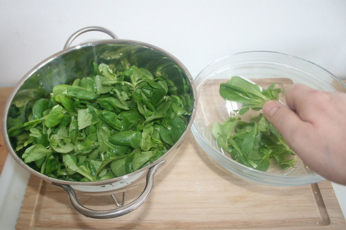 36 - Feldsalat putzen / Clean salad