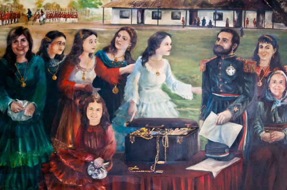 Óleos de Bartolomé Martínez son exhibidos en las paredes del museo histórico de Isla Umbu, Departamento de Ñeembucú, hermosas pinturas alusivas a las grandes batallas de la Guerra contra la Triple Alianza. (Elton Núñez)