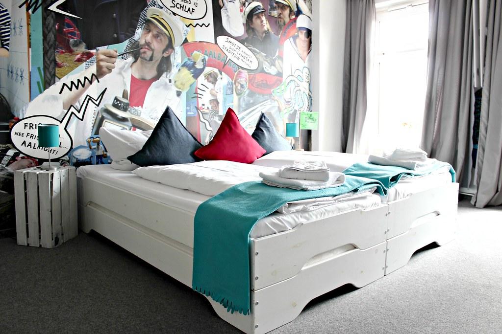 lily allen concert pyjama park hotel st pauli fashion whisper der lifestyle blog f r den. Black Bedroom Furniture Sets. Home Design Ideas
