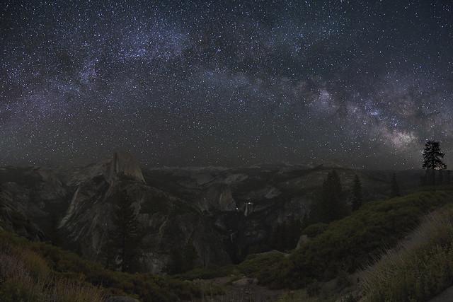 Milky way over Glacier Point
