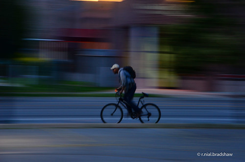 bicycle-bicyclist-night-pan.jpg