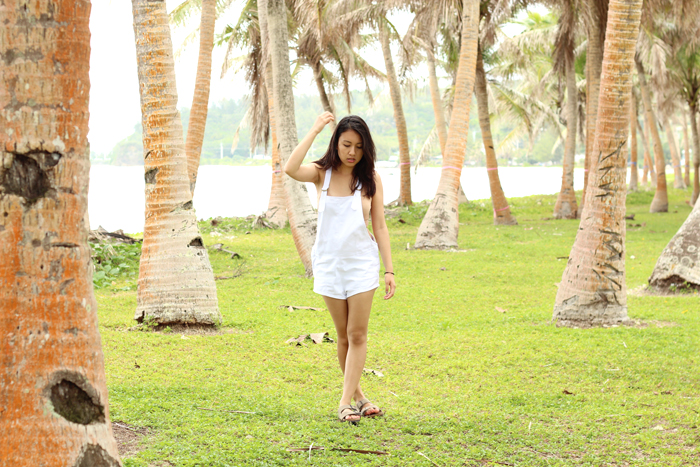 guam, summer, summer outfit, tropical vacation, friend of mine, friend of mine overalls, beach, fashion blogger, personal style blogger, top fashion bloggers, los angeles fashion blogger, guam fashion blogger, birkenstocks, overalls
