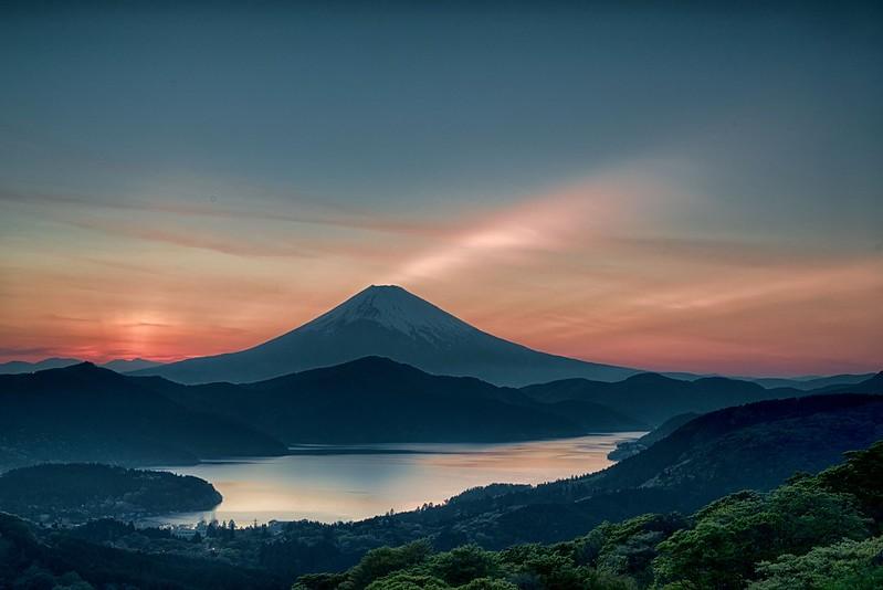 夕暮れの大観山
