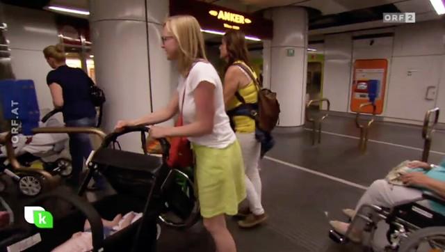 Stau beim U-Bahn Aufzug Stephansplatz
