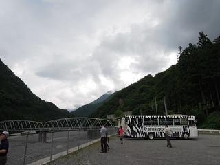 奈良田でバス休憩