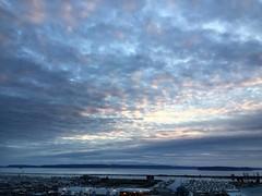 A beautiful day! #everett #sunset #portofeverett #pnw #pnwonderland #everettsunsets #olympics #islands #whidbeyisland #hatisland #marina #glowy #fvmf17