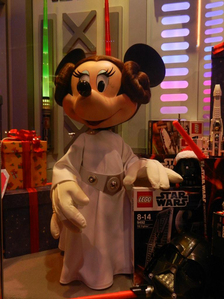 Un séjour pour la Noël à Disneyland et au Royaume d'Arendelle.... 13605020335_551e16e798_b