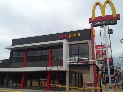 Newly Renovated McDonalds Bajada Davao Opens April 12, 2014