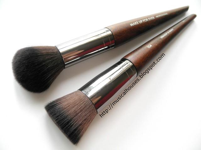 MUFE Buffer Blush Brush Medium Highlighter Brush 152 154 1