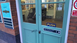 Earlswood Ticket Office