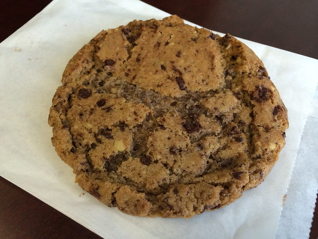Chocolate chip and walnut cookie - The Golden West