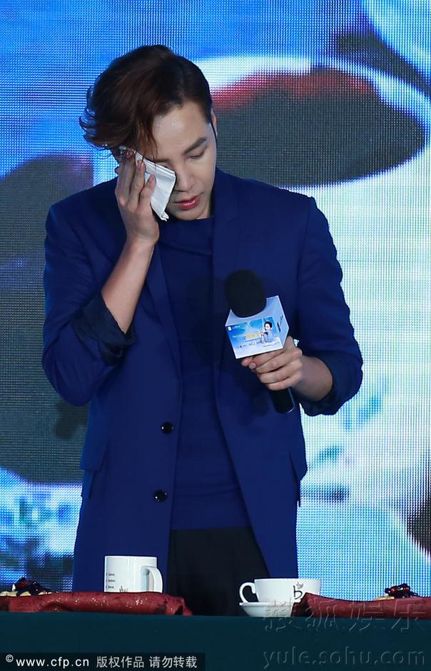 [Pics] Jang Keun Suk Calls For More Charity Work and Be Eco-Friendly At Caffe Bene FM_20140426 14054913462_b44a0162bb_o