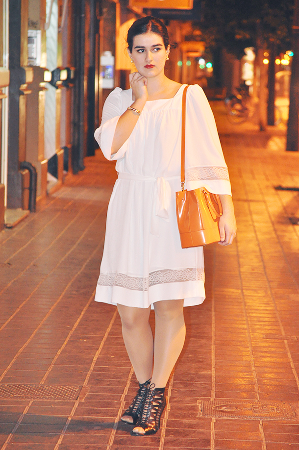 something fashion blog spain valencia, festival coachella summer music look outfit inspiration fashionblogger, white dress laceup sandals nine west, max mara rondine tote bag orange color trend 2014