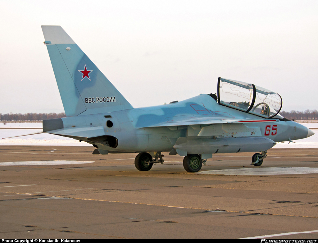Yakovlev Yak-130D - Page 2 14063029824_2b6c0a2172_o