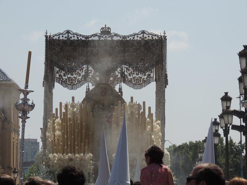 La Virgen de la Paz por la calle Palos de la Frontera y Avenida de Roma