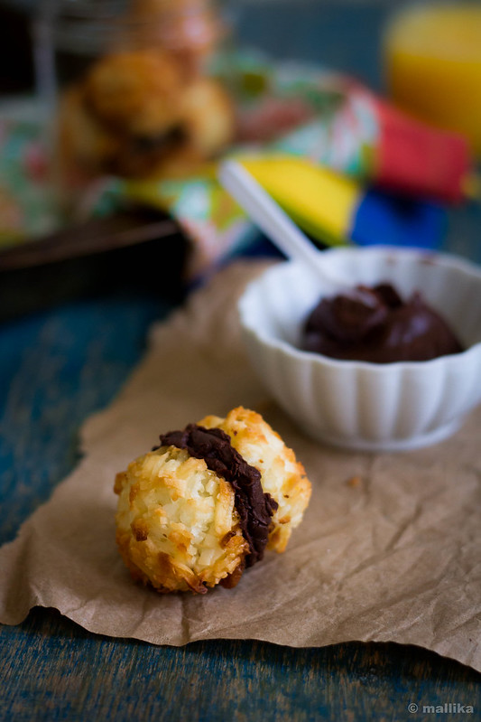 Chocolate Sandwiched Coconut Macaroons_1
