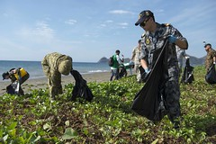 Service members from Australia, New Zealand, Timor-Leste and the U.S. participate in a cleaning event on the beaches of Dili. (U.S. Navy/MC1 Stephen Oleksiak)