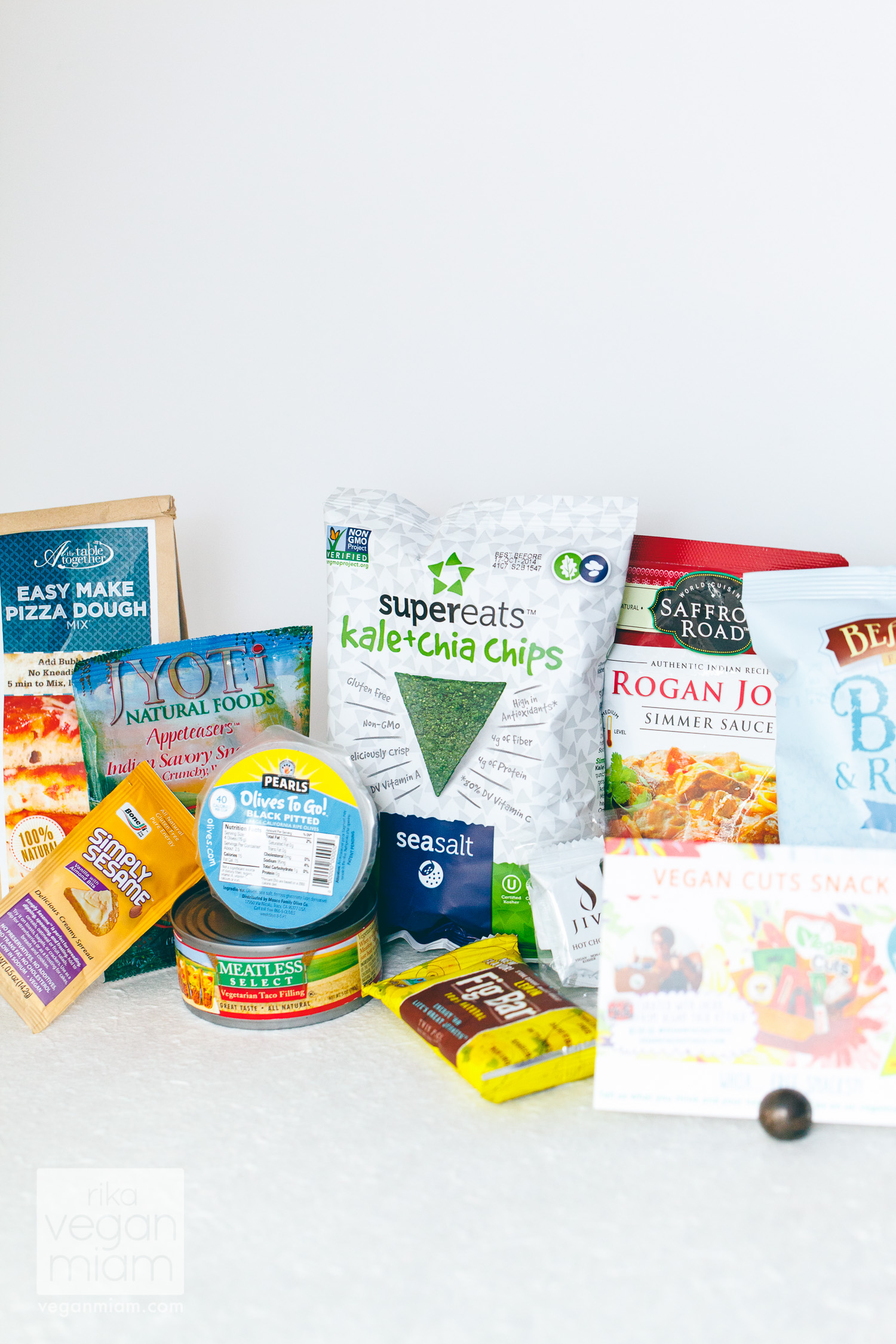 Vegan Cuts Snack Box May 2014