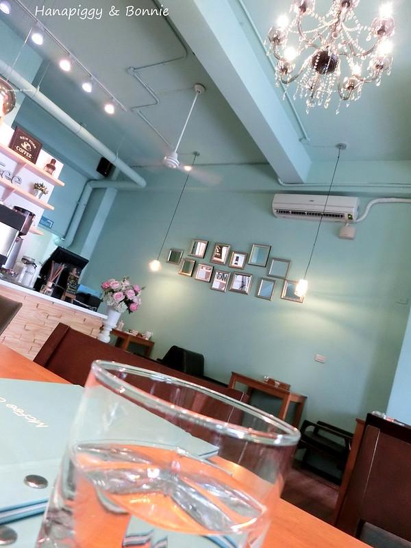 2014.04.27MCFee Cafe (1)