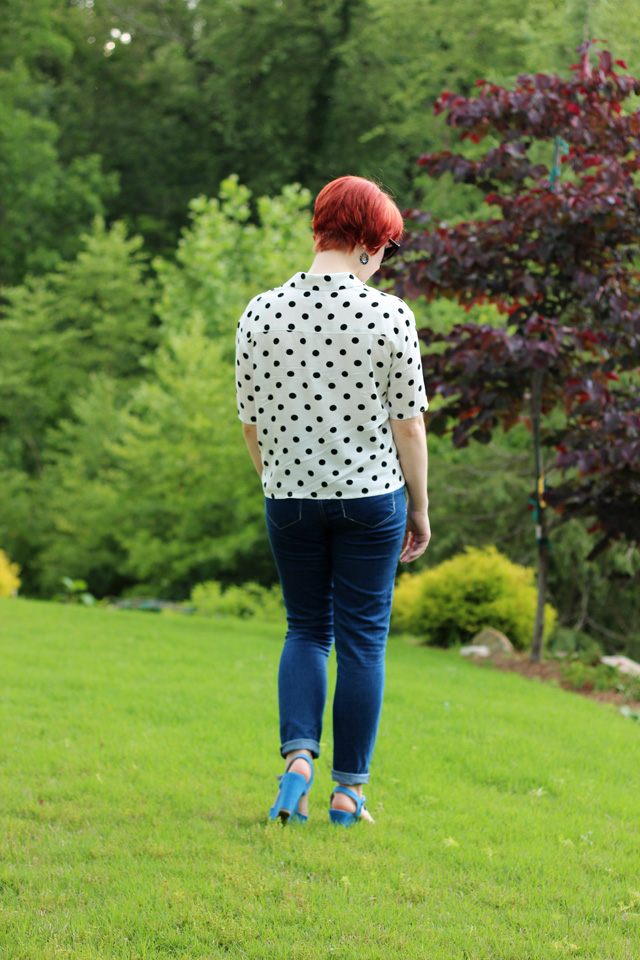 Petite Panoply: White Polka Dot Top, Skinny Jeans, and Blue Wedges