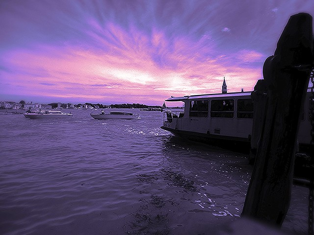 Venice's spleen (intergalatic  psychedelic fake sunset / aurora)