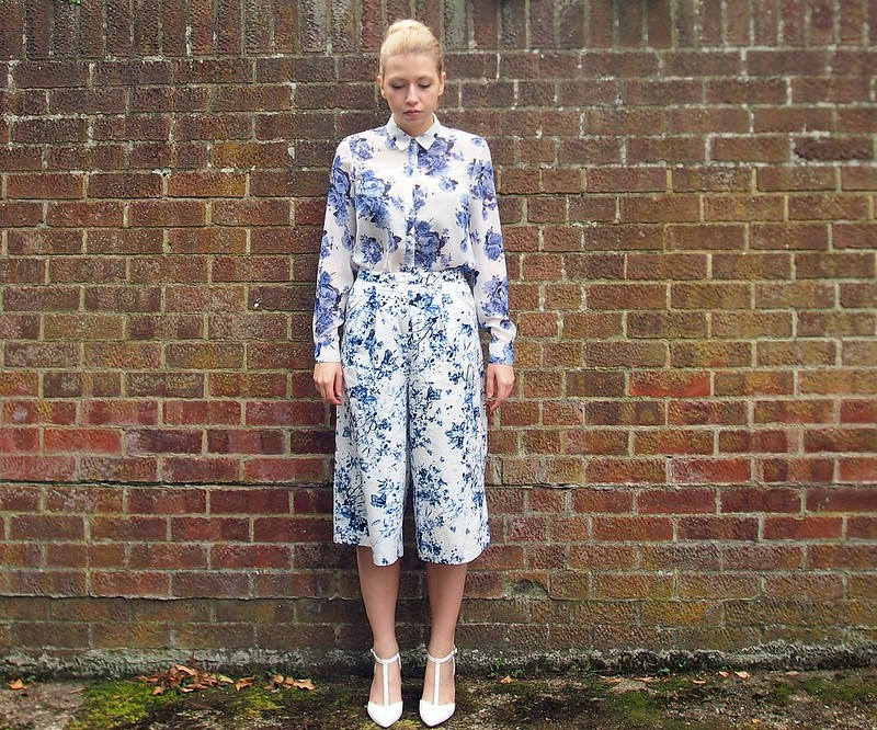 Sam Muses, UK Fashion Blog, London Style Blogger, China Print, Porcelain, Floral Shirt, How to Wear, Styling Inspiration, Outfit Ideas, Marks and Spencer, Insolia, White Shoes, T-Bar, Heels