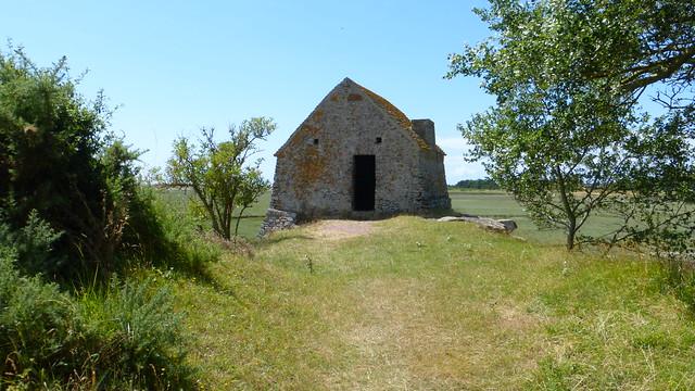 172 Le corps de garde de Saint-Germain-sur-Ay (Chapelle du Grapillon)