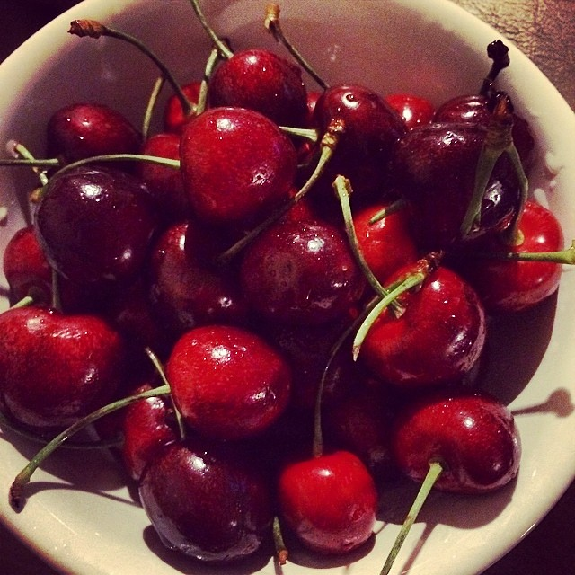 Day 3, #Whole30 - snack (cherries)