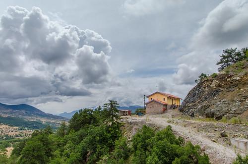 trip house mountain clouds greece εγνατία