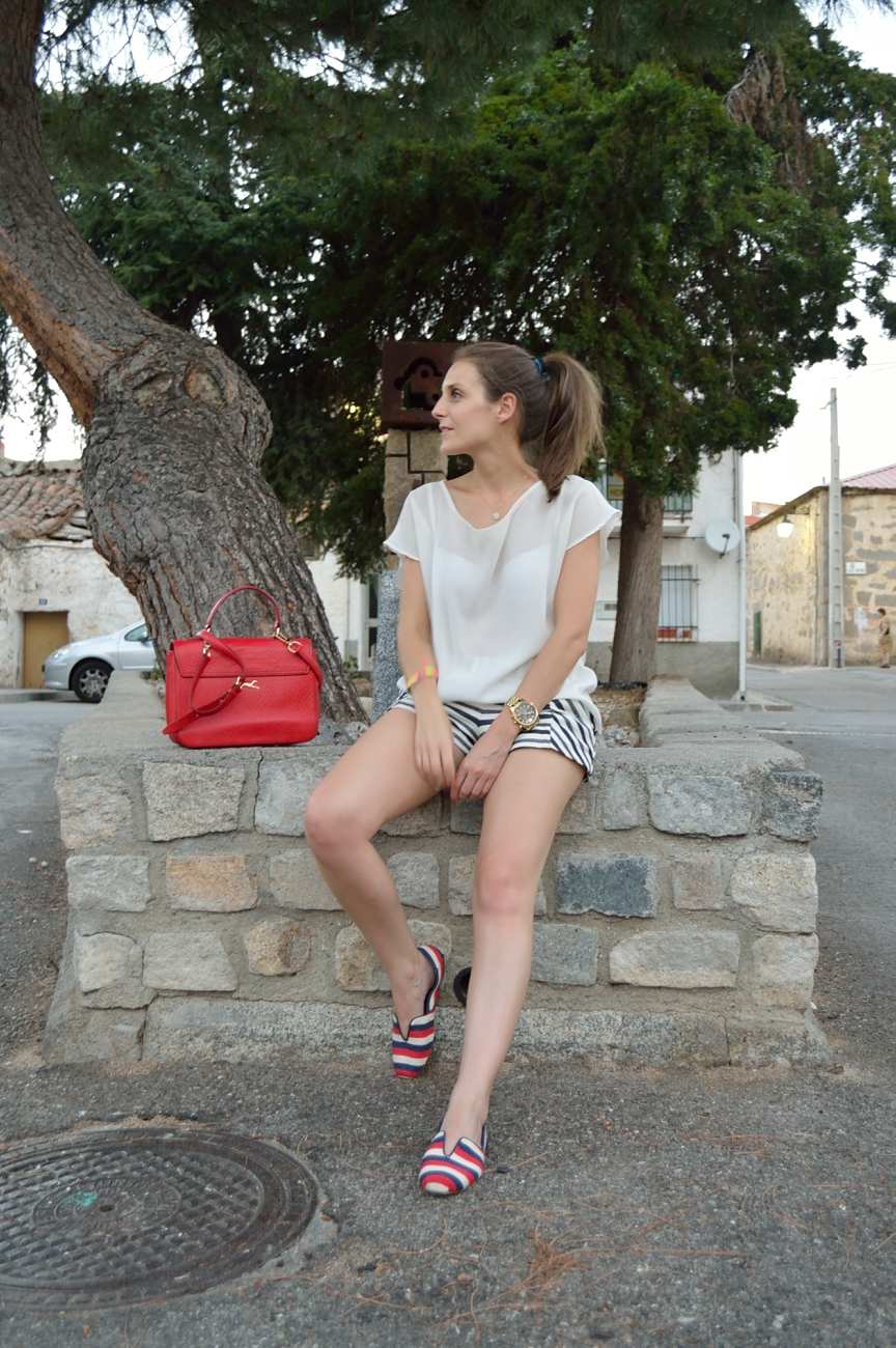 lara-vazquez-mad-lula-fashion-trends-pop-of-red-look