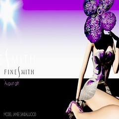 FINESMITH AUGUST GIFT- MODEL JAMEE SANDALWOOD
