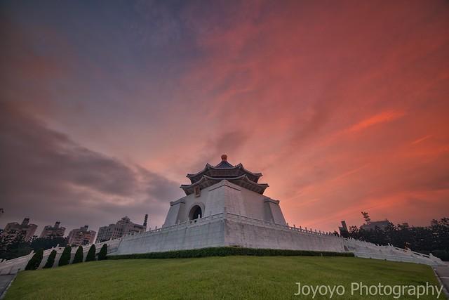 日出雲彩 中正紀念堂