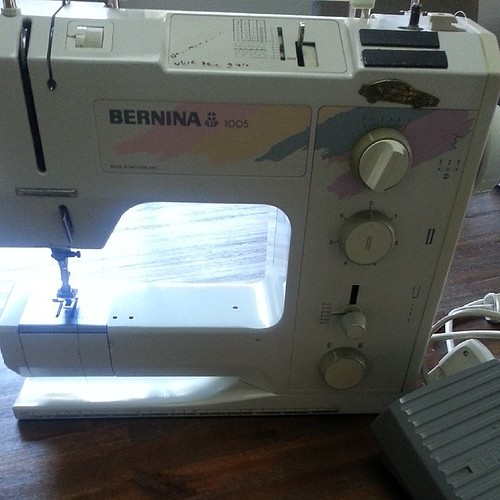 So after a call to my Bernina dealer in tassie.....ive booked my baby in for a service and just picked up this one from my mum.  Shattered but grateful!