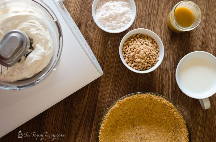 Toffee Cream Pie Cake ingredients
