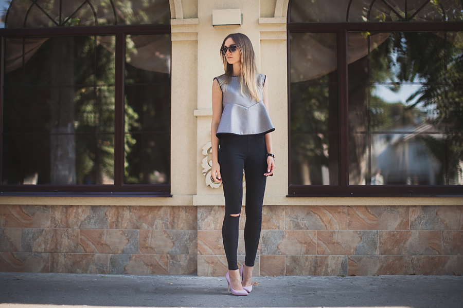 peplum-outfit-fashion-blog-street-style-ripped-jeans