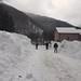 Spontánní lavina zasáhla 4. ledna okraj obce Vulšany a komunikaci Chust Koločava, foto: Zakarpattya.net