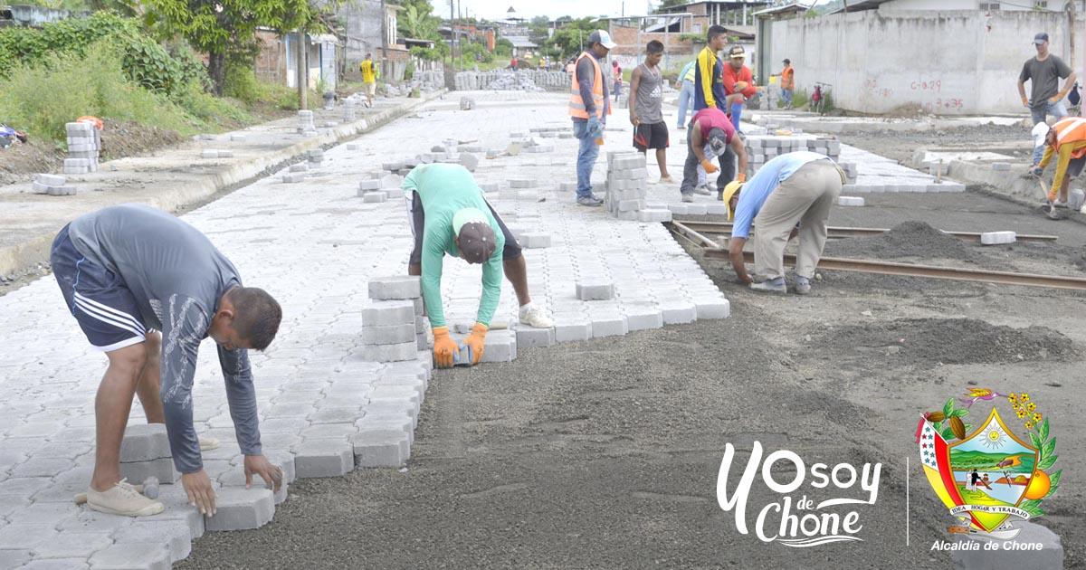 Adoquinado de varias calles de Chone mejorará la calidad de vida de habitantes