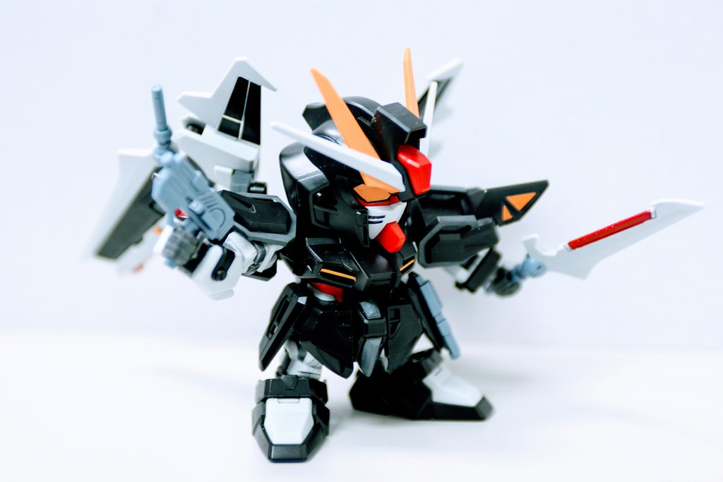 Gundam SEED CE73- Strike Noir Gundam