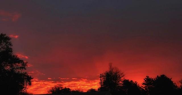 Sunrise with Crepuscular Rays #indianaskies #spring #sunrises #skies #sky #crepuscularrays #atmosphericoptics