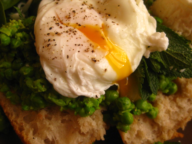 Poached Egg, Pea Purée and Goat Cheese Tartine