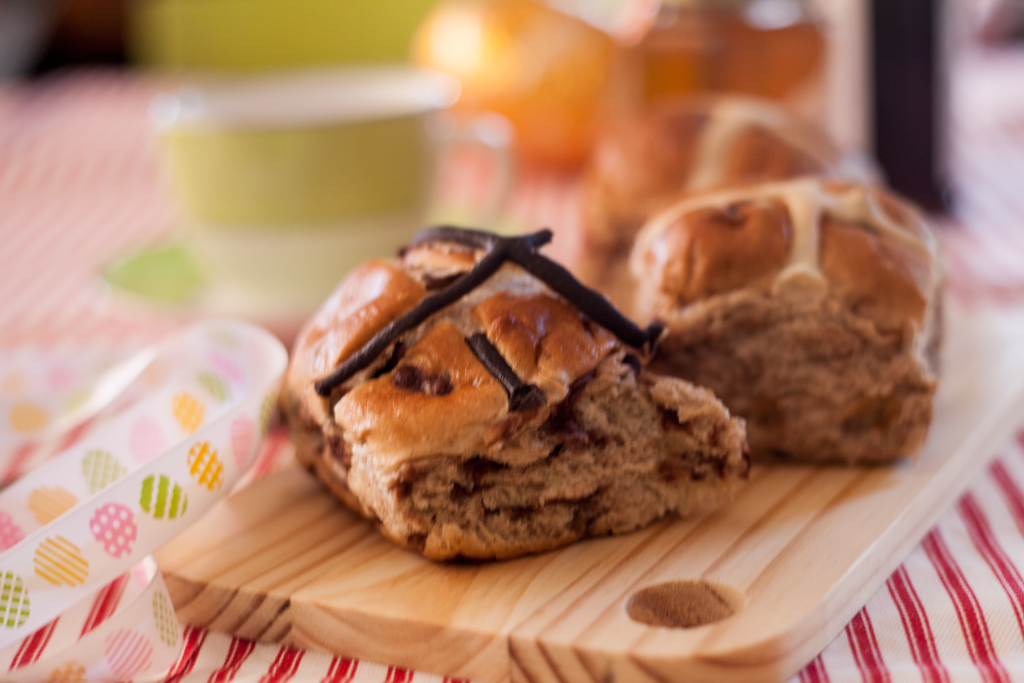 easter faves // hot cross buns