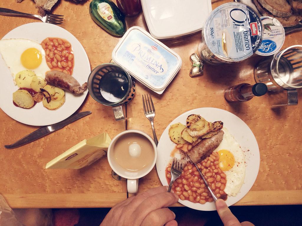 british breakfast with britwurst.