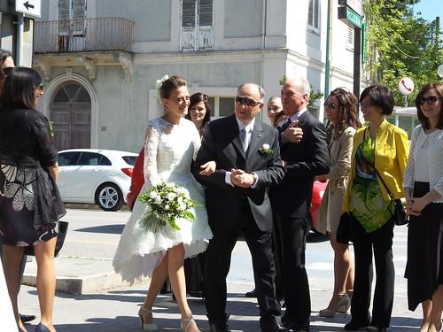 Arriva la sposa con il padre! by Ylbert Durishti