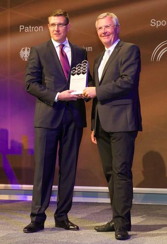 IFOY Award 2014 für QuickPick® Remote Kommissioniertechnologie von Crown