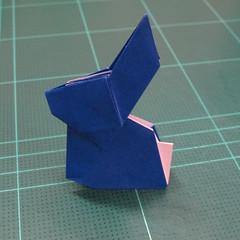 วิธีการพับกระดาษเป็นรูปกระต่าย แบบของเอ็ดวิน คอรี่ (Origami Rabbit)  027