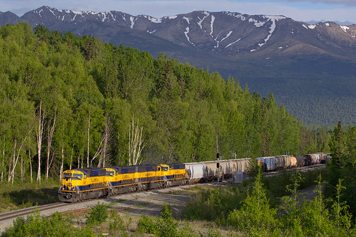 alaska anchorage fairbanks alaskarailroad chugachmountains fortrichardson emd sd70mac jber nikesitesummit arr4006