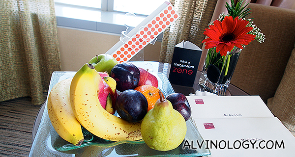 Welcome fruits and chocolates