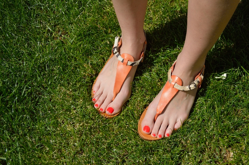 lara-vazquez-madlulablog-feet-sandals-details