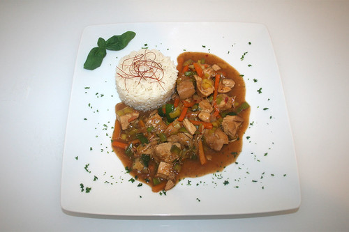 47 - Indonesisches Cola-Hühnchen - Serviert / Indonesian cola chicken - Served